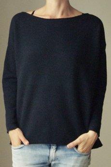 ONE MUG A DAY - Czarna bluza cięta