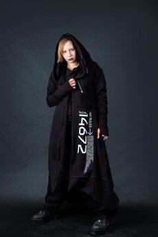 PIKIEL - Długi czarny płaszcz z kapturem NO RULES
